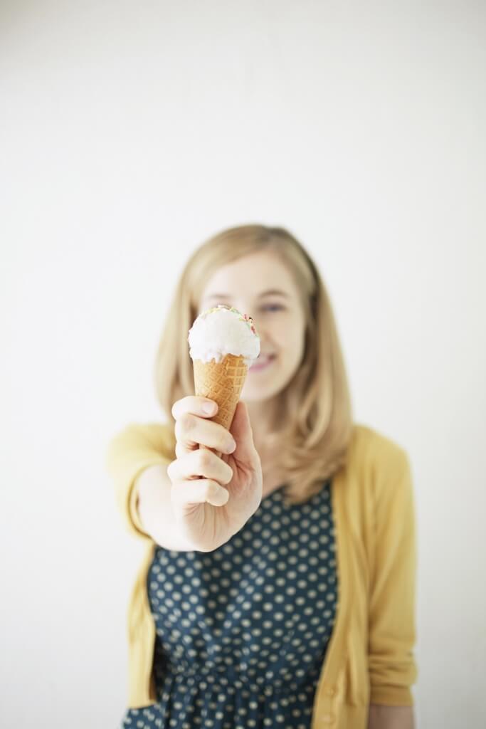 roxy w/ice cream by megumi