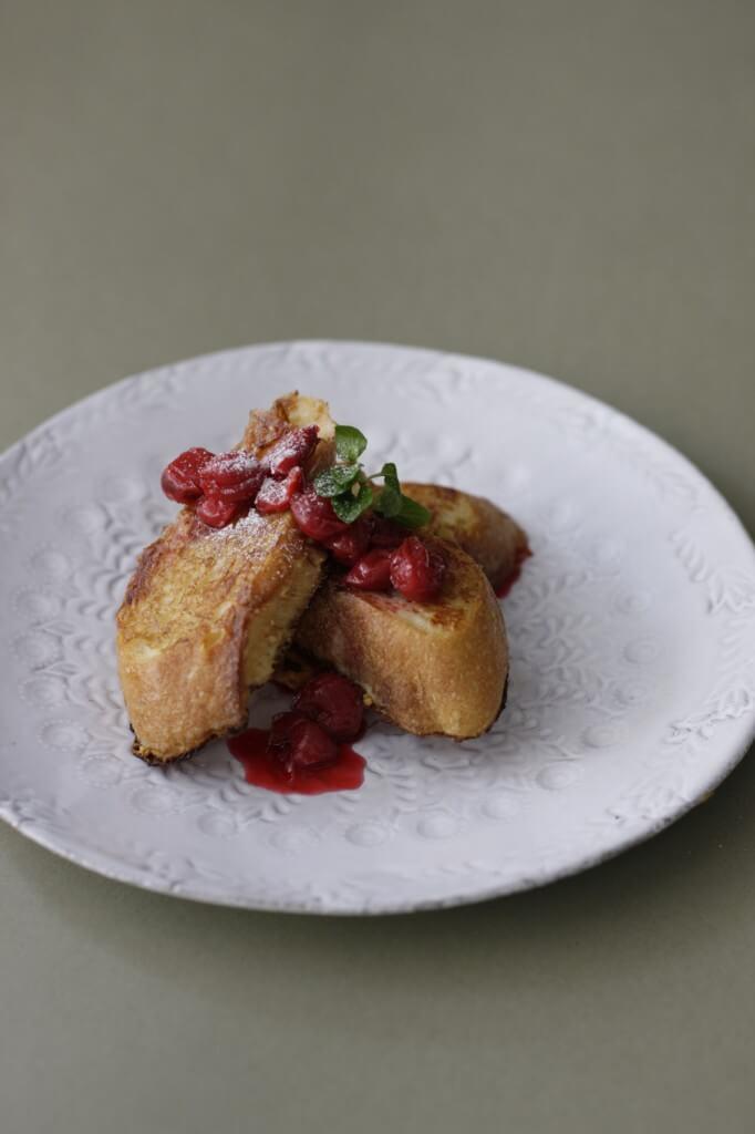 french toast by tomotaka yamano 「シンブル素材のナチュラルスイーツ」